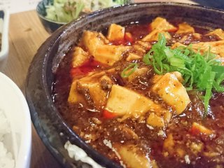 麻婆豆腐+キーマカレーはこんなに美味しい!ご飯がすすむ痺れるランチ