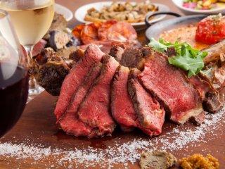 極旨佐賀牛に希少肉、豪快塊肉も!肉好きなら通いたくなる表参道の肉バルの記事で紹介されました