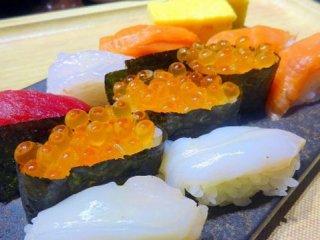 握りたて寿司食べ放題!週末限定・2160円の豪華すぎるランチブッフェの記事で紹介されました