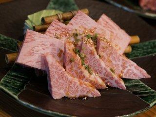 昼でも予約必須!上質なお肉を安く食べられるランチがお得な老舗焼肉店の記事で紹介されました