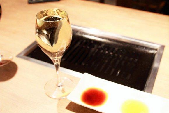 上カルビ1皿29円!焼肉×ワインのバルが肉の日にOPEN!