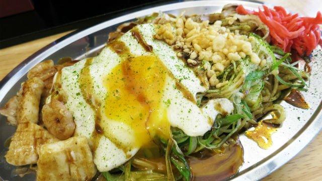焼きそばの概念が覆る!渋谷に進出した行列必至の専門店で生麺を体験せよ