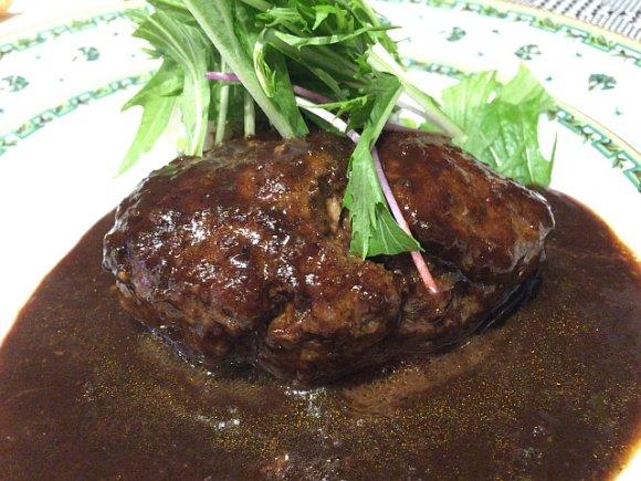 肉肉しさ全開!夏バテ対策にもぴったりな肉汁溢れるハンバーグランチ3選の記事で紹介されました
