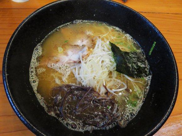 【福岡】鉄板豚骨から「非豚骨」まで!必食ラーメン厳選10軒の記事で紹介されました