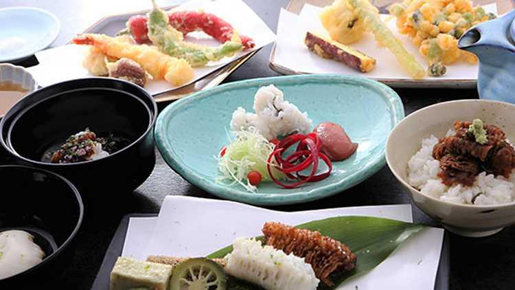 本場・京都でリーズナブルに味わう絶品創作ハモ料理