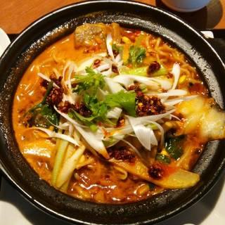 牛バラ土鍋マーラー麺