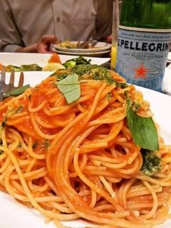 スパゲッティのピリ辛トマトソース
