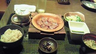 イベリコ豚ベジョータたん塩と麦とろ飯
