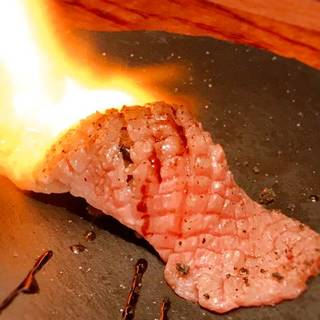 佐賀牛の肩ロースの肉寿司