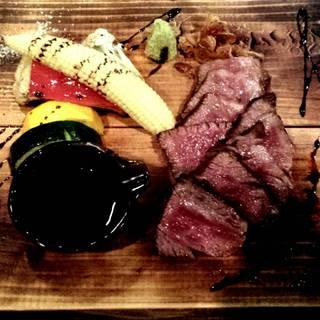 本日のA5ランク和牛サーロインステーキ焼き野菜添え