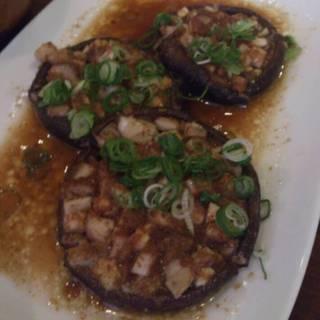 徳島椎茸のオーブン焼きへシコバターの香り