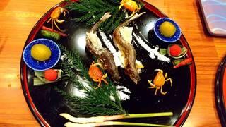 清流を泳ぐ膳(鮎焼き、沢蟹等)
