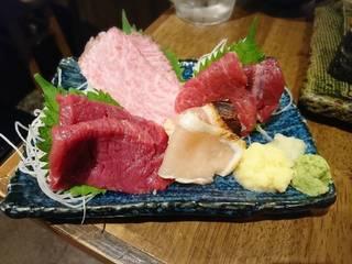肉刺し四種盛り合わせ