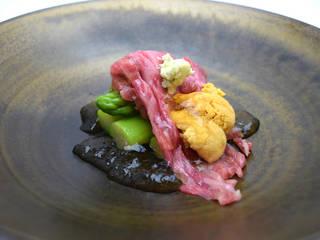 三田牛ハネシタ肉の素麺仕立てウニ添え