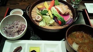 厳選鶏と野菜のタジン