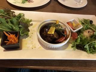 彩り野菜のグリルと豚肩ロースの煮込み(デミグラスソース)