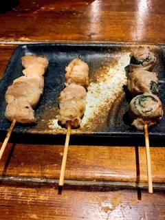 つくねせせりぼんじり明太子炙り鶏皮ポン酢串5点盛り