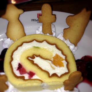 ニョロニョロールケーキ
