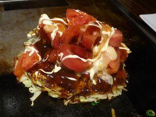 フレッシュトマトとチーズのお好み焼き