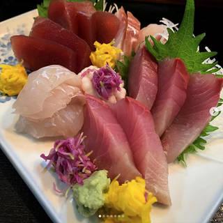 鮮魚の刺身盛り合わせ