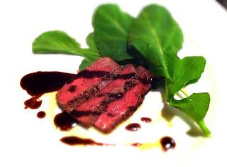 牛サーロインのタリアータ 赤ワインソース