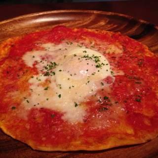 薄焼きピッツァのパーネフラッタウ風味